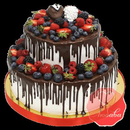Торт с ягодами двухъярусный с шоколадом №1317