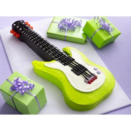 Торт в форме гитары №782