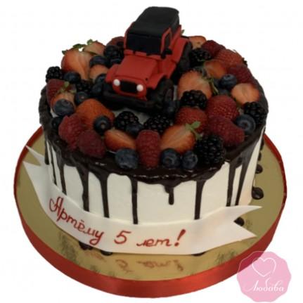 Торт детский с ягодами и машиной №2678