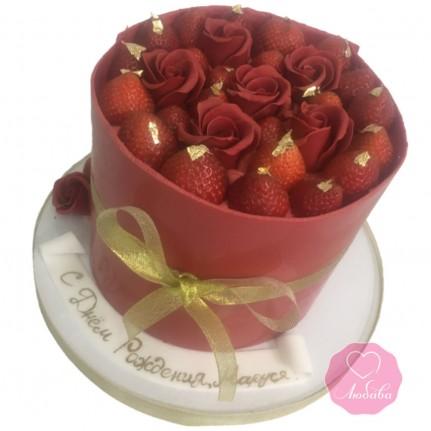 Торт с клубникой и розами №2833