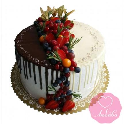 Торт без мастики два шоколада с ягодами №2513