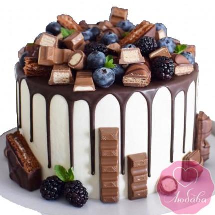 Торт без мастики со сладостями и ягодами №2514